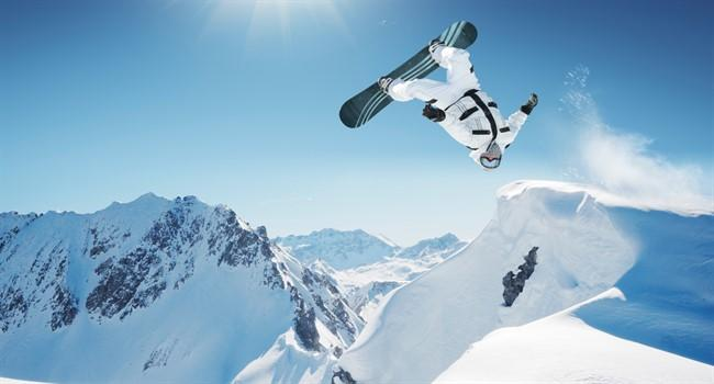 26258-extreme_snowboarding_wallpaper_650x350